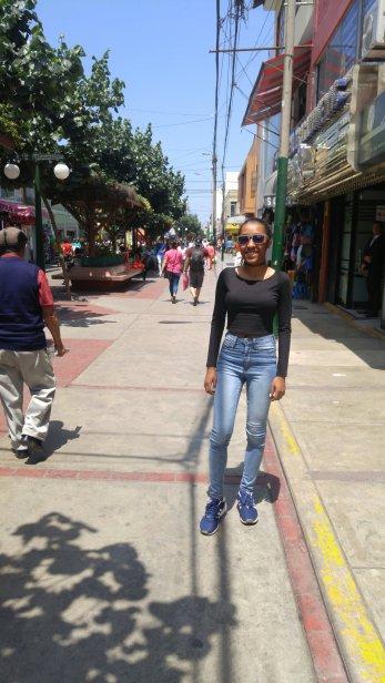 Oriana posing for Avenida Wilson