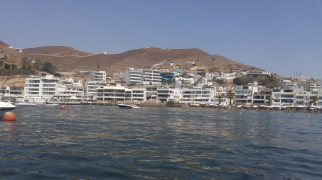 The fishing village of Pucasana reminds me of a Latin Amercanized version of Greece